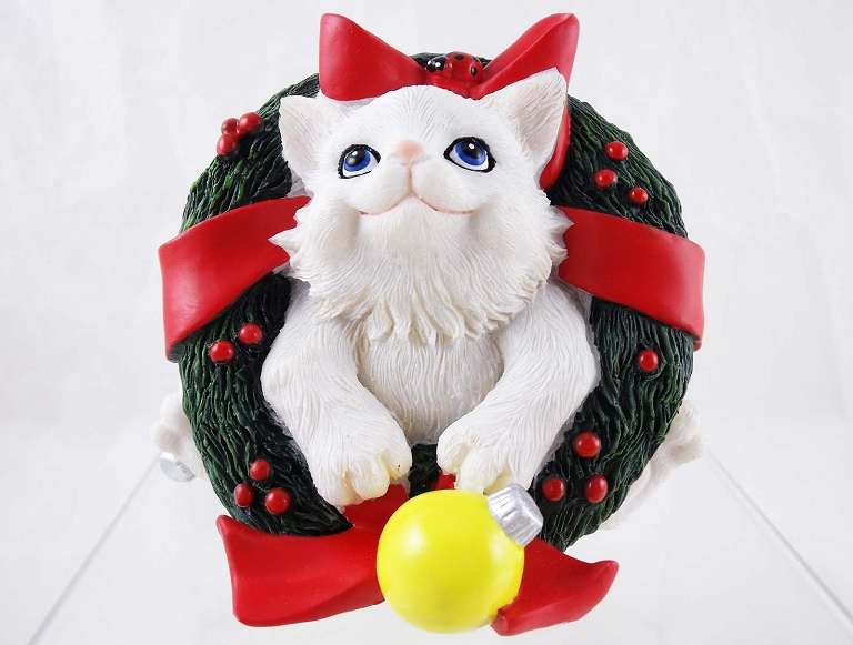 """Just Popped In To Say Happy Holidays"" - White Cat in ..."