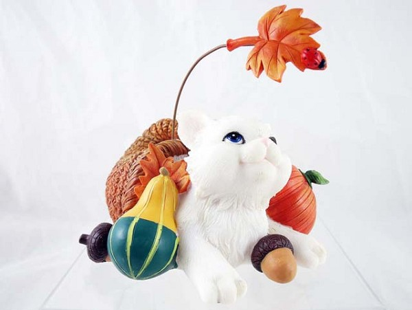 """I'm Plenty Thankful for You"" - White Cat in Cornucopia - Charming Purrsonalities - Resin Figurine"